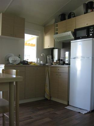 cuisine avec frigo congélateur